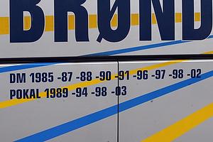 Br�ndby IFs spillerbus inden kampen