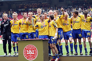Per Nielsen, anf�rer (Br�ndby IF), Johan Elmander (Br�ndby IF), Asbj�rn Sennels (Br�ndby IF), Jonas Kamper (Br�ndby IF), Martin Retov (Br�ndby IF), Thomas Kahlenberg (Br�ndby IF), Morten Skoubo (Br�ndby IF), Sebastian Sv�rd (Br�ndby IF), Casper Ankergren (Br�ndby IF), Daniel Agger (Br�ndby IF), Kim Daugaard (Br�ndby IF), Ruben Bagger (Br�ndby IF), Mads J�rgensen (Br�ndby IF)