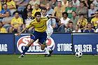Stefan Gislason, anf�rer (Br�ndby IF), William Kvist (FC K�benhavn)