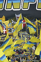 Sydsiden kl�dt med flag