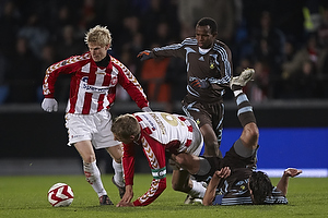 Stefan Gislason, anf�rer (Br�ndby IF), Ousman Jallow (Br�ndby IF)