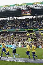 Stephan Andersen (Br�ndby IF), Thomas Rasmussen (Br�ndby IF), Jacob Berthelsen (Br�ndby IF) l�ber p� banen