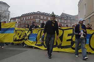 Br�ndbyfans i march mod Parken