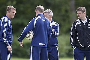 Henrik Jensen, cheftr�ner (Br�ndby IF), Rene Skovdahl (Br�ndby IF), Peer F. Hansen, assistenttr�ner (Br�ndby IF)