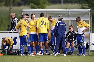Nicolaj Agger (Br�ndby IF), Mikkel Bischoff (Br�ndby IF), Jan Frederiksen (Br�ndby IF), Henrik Jensen, cheftr�ner (Br�ndby IF)