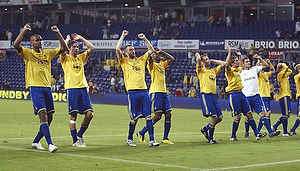 Mikkel Bischoff (Br�ndby IF), Peter Madsen (Br�ndby IF), Mikael Nilsson (Br�ndby IF), Ousman Jallow (Br�ndby IF), Thomas Rasmussen (Br�ndby IF), Jens Larsen (Br�ndby IF), Jan Kristiansen (Br�ndby IF)