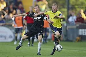 Michael KrohnDehli, anf�rer (Br�ndby IF), Jesper J�rgensen (Esbjerg fB)