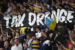 Br�ndbyfans med banner med teksten Tak drenge