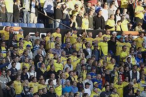 Fans skulder ved skulder