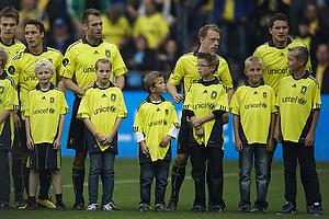Jan Kristiansen (Br�ndby IF), Michael Krohn-Dehli (Br�ndby IF), Thomas Rasmussen (Br�ndby IF), Mike Jensen (Br�ndby IF), Nicolaj Agger (Br�ndby IF), Br�ndby Kids