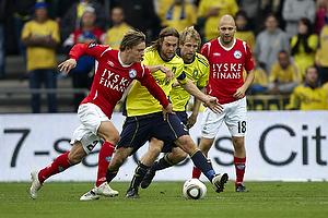 Max von Schlebr�gge, anf�rer (Br�ndby IF), Remco van der Schaaf (Br�ndby IF), Christian Holst (Silkeborg IF)