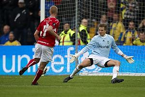 Michael T�rnes (Br�ndby IF), Kaimar Saag (Silkeborg IF)