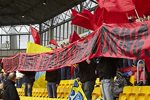 Br�ndbyfans i r�d protest