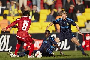 Paul Jatta (Br�ndby IF), Remco van der Schaaf (Br�ndby IF), Patrice Bernier (FC Nordsj�lland)