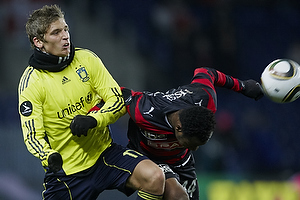 Jens Larsen (Br�ndby IF), Sylvester Igboun (FC Midtjylland)