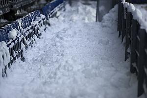 Sne p� tribunerne p� Br�ndby Stadion