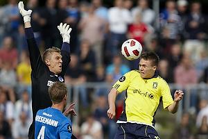 Nicolaj Agger (Br�ndby IF) header, Jakob Bresemann (Lyngby BK), Niklas H�jlund (Lyngby BK)