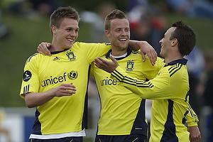 Nicolaj Agger, m�lscorer (Br�ndby IF), Jan Frederiksen (Br�ndby IF), Mike Jensen (Br�ndby IF)