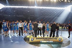 AGK-spillerne modtager medaljer og pokal