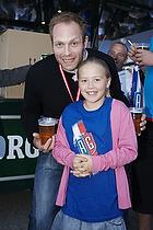 Kasper Hvidt (AG K�benhavn) med en fan