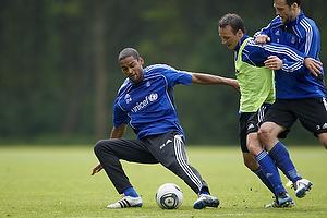 Mike Jensen (Br�ndby IF), Mikkel Bischoff (Br�ndby IF), Max von Schlebr�gge (Br�ndby IF)