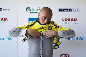 Mikkel Thygesen (Br�ndby IF) tr�kker i br�ndbytr�jen
