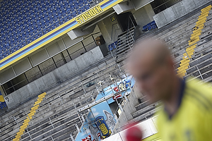 Mikkel Thygesen (Br�ndby IF) med Sydsiden i baggrunden