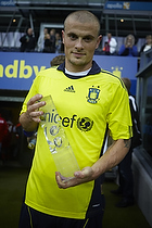 Mikkel Thygesen (Br�ndby IF) med Kjeld Rasmussen Cup pokalen
