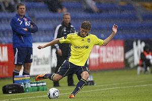 Jens Larsen (Br�ndby IF), Henrik Jensen, cheftr�ner (Br�ndby IF), Kent Nielsen, cheftr�ner (Aab)