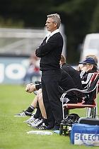 Henrik Jensen, cheftr�ner (Br�ndby IF) st�r op