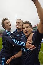 Jan Kristiansen, m�lscorer (Br�ndby IF) tiljubles af Mikkel Thygesen (Br�ndby IF) og Nicolaj Agger (Br�ndby IF)