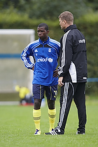 Sifiso Myeni (Br�ndby IF), Peer F. Hansen, assistenttr�ner (Br�ndby IF)