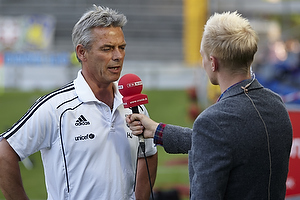 Henrik Jensen, cheftr�ner (Br�ndby IF) interviewes til tv