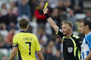 Michael Svendsen, dommer giver advarsel til Clarence Goodson, anf�rer (Br�ndby IF)