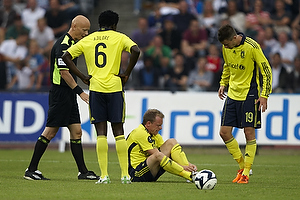 Anders Hermansen, dommer, Oluwafemi Ajilore (Br�ndby IF), Michael Krohn-Dehli (Br�ndby IF) skadet, Daniel Stenderup (Br�ndby IF)