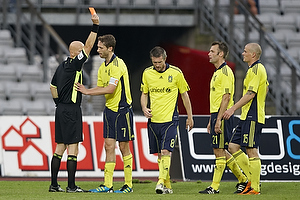 Anders Hermansen, dommer udviser Mikael Nilsson (Br�ndby IF), Clarence Goodson, anf�rer (Br�ndby IF), Thomas Rasmussen (Br�ndby IF), Mikkel Thygesen (Br�ndby IF)