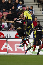 Clarence Goodson, anf�rer (Br�ndby IF), Kristian Bak Nielsen, anf�rer (FC Midtjylland)