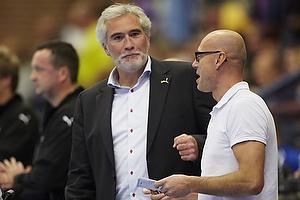 Magnus Andersson, cheftr�ner (AG K�benhavn), Morten Stig Christensen (Dansk H�ndbold Forbund)