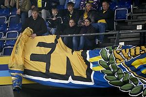 Banner tages ned og fans forlader Sydsiden
