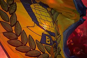 Br�ndbyflag i romerlysenes sk�r