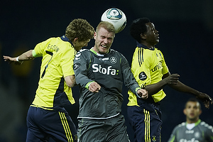 Clarence Goodson, anf�rer (Br�ndby IF), Oluwafemi Ajilore (Br�ndby IF), Henrik Toft (AC Horsens)