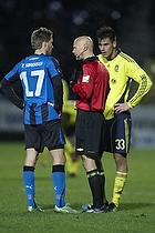 Anders Hermansen, dommer, Dario Dumic (Br�ndby IF), Thomas S�rensen (HB K�ge)