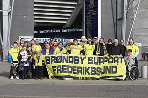 Br�ndby Support Frederikssund foran Br�ndby Stadion