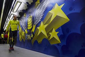 Spillergangen til Br�ndbys omkl�dningsrum, Michael Krohn-Dehli (Br�ndby IF)