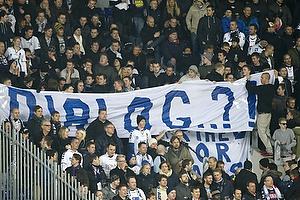 Agf-fans med banner med teksten: Dialog