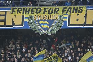 Frihed for fans-banner p� Sydsiden