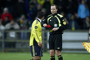 Daniel Norouzi (Br�ndby IF) udvises af Henning Jensen, dommer