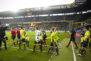 Clarence Goodson, anf�rer (Br�ndby IF), Michael T�rnes (Br�ndby IF), Anders Randrup (Br�ndby IF)