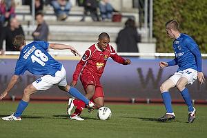 Patrick Mtiliga (FC Nordsj�lland), Morten Bertolt (Lyngby BK)