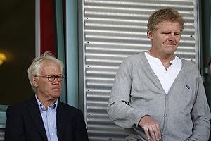 Morten Olsen, landstr�ner (Danmark), Peter Bonde, assistenttr�ner (Danmark)